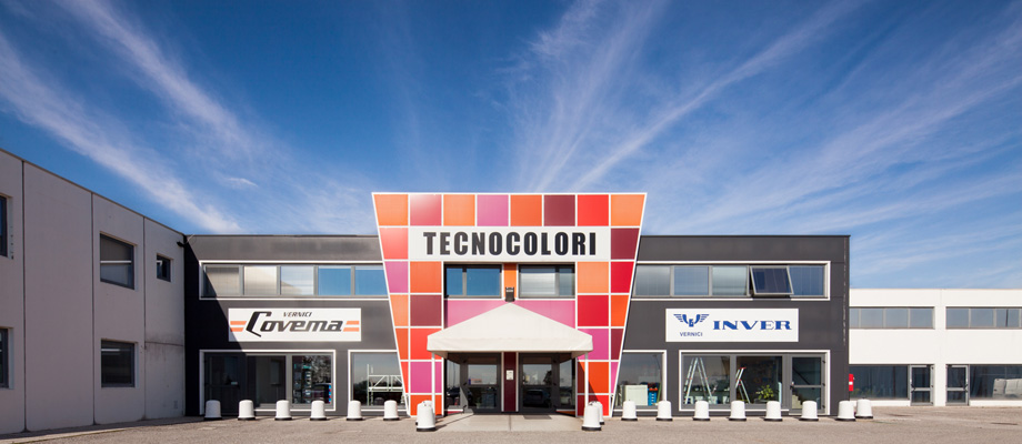 Tecnocolori presenta colours talking architettura e for Design contemporaneo capannone